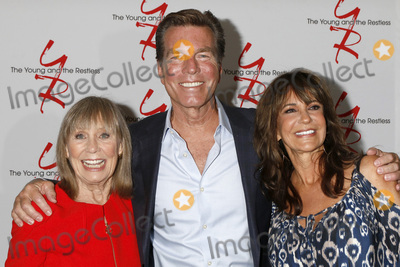 Peter Bergman Photo - LOS ANGELES - AUG 19  Marla Adams Peter Bergman Jess Walton at the Young and Restless Fan Event 2017 at the Marriott Burbank Convention Center on August 19 2017 in Burbank CA