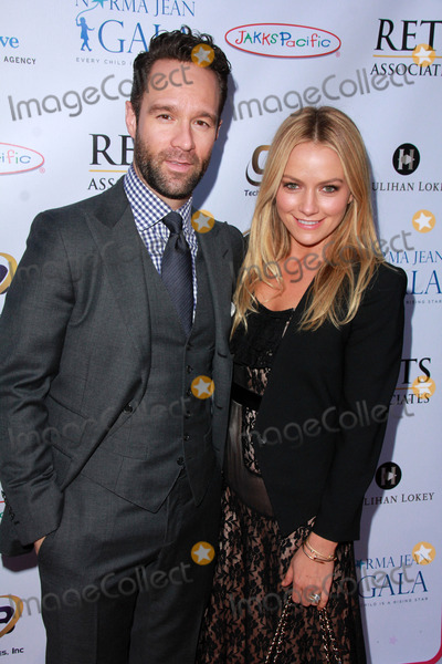 Becki Newton Photo - LOS ANGELES - MAR 18  Chris Diamantopoulos Becki Newton at the Norma Jean Gala at the Taglyan Complex on March 18 2015 in Los Angeles CA