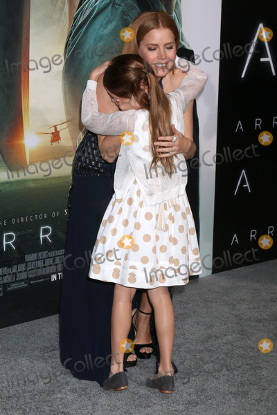 Abigail Pniowsky Photo - LOS ANGELES - NOV 6  Abigail Pniowsky Amy Adams at the Arrival Premiere at Village Theater on November 6 2016 in Westwood CA