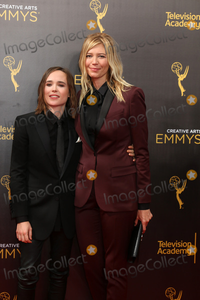 Ellen Page Photo - LOS ANGELES - SEP 11  Ellen Page guest at the 2016 Primetime Creative Emmy Awards - Day 2 - Arrivals at the Microsoft Theater on September 11 2016 in Los Angeles CA