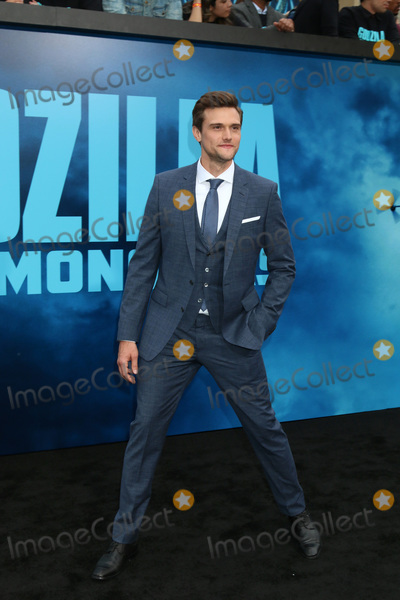 Hartley Sawyer Photo - LOS ANGELES - MAY 18  Hartley Sawyer at the Godzilla King Of The Monsters Premiere at the TCL Chinese Theater IMAX on May 18 2019 in Los Angeles CA
