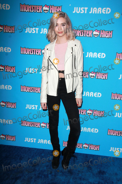 Amanda Steele Photo - LOS ANGELES - MAR 26  Amanda Steele at the Just Jareds Throwback Thursday Party at the Moonlight Rollerway on March 26 2015 in Glendale CA