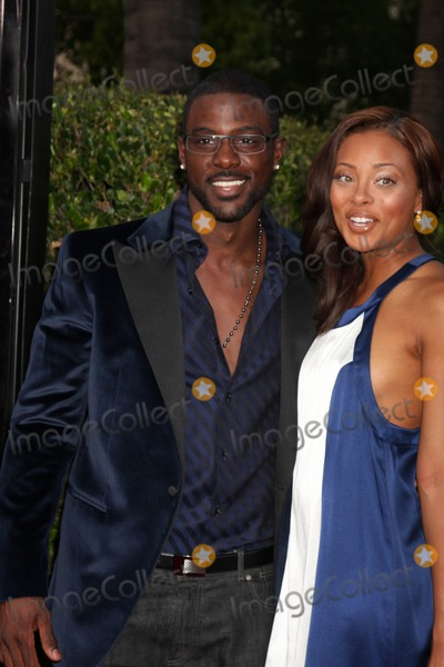Lance Gross Photo - Lance Gross  Eva Marcille  arriving at the Soloist Premiere at Paramount Studios in Los Angeles  California on April 20 2009