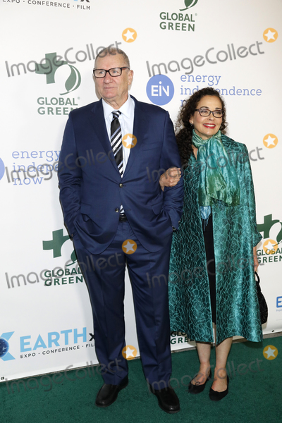 Ed ONeill Photo - LOS ANGELES - FEB 28  Ed ONeill Catherine Rusoff at the 15th Annual Global Green Pre-Oscar Gala at the NeueHouse on February 28 2018 in Los Angeles CA