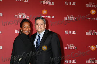 Avant Photo - LOS ANGELES - NOV 9  Nicole Avant Ted Sarandos at the SAG-AFTRA Foundations Patron of the Artists Awards 2017 at Wallis Annenberg Center for the Performing Arts on November 9 2017 in Beverly Hills CA