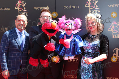 Elmo Photo - LOS ANGELES - MAY 5  Elmo Abby Seasme Street at the 2019  Daytime Emmy Awards at Pasadena Convention Center on May 5 2019 in Pasadena CA