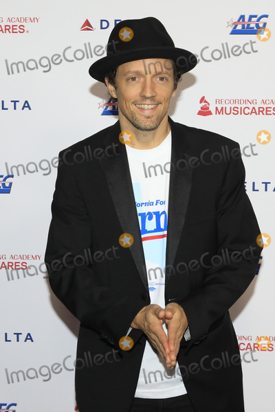 Jason Mraz Photo - LOS ANGELES - JAN 24  Jason Mraz at the 2020 Muiscares at the Los Angeles Convention Center on January 24 2020 in Los Angeles CA