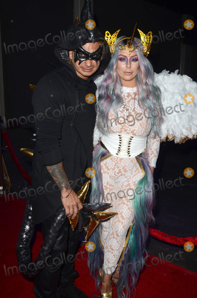 Aubrey ODay Photo - LOS ANGELES - OCT 22  Mike Sorrentino Aubrey ODay at the 2016 Maxim Halloween Party at Shrine Auditorium on October 22 2016 in Los Angeles CA