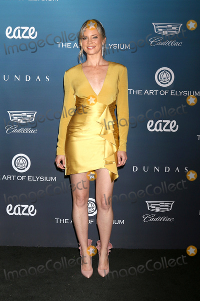Amy Smart Photo - LOS ANGELES - JAN 5  Amy Smart at the Art of Elysium 12th Annual HEAVEN Celebration at a Private Location on January 5 2019 in Los Angeles CA