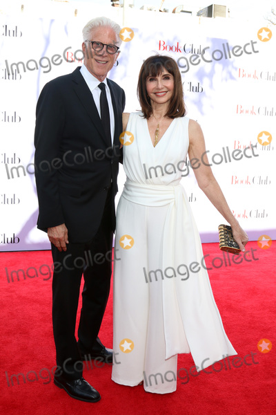 Mary Steenburgen Photo - LOS ANGELES - MAY 6  Ted Danson Mary Steenburgen at the Book Club LA Premiere at Village Theater on May 6 2018 in Westwood CA