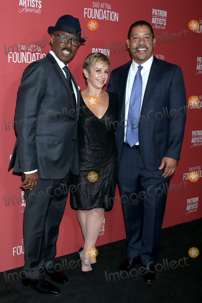 Courtney B Vance Photo - LOS ANGELES - NOV 7  Courtney B Vance Gabrielle Carteris David White at the 4th Annual Patron of the Artists Awards at Wallis Annenberg Center for the Performing Arts on November 7 2019 in Beverly Hills CA