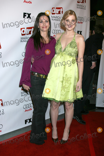 Alexandra Breckenridge Photo - Courteney Cox and Alexandra BreckenridgeDirt Season Two Premiere ScreeningArcLight TheatersLos Angeles CAFebruary 28 2008