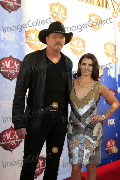 Trace Adkins Photo - LAS VEGAS - DEC 10  Trace Adkins Danica Patrick at the 2013 American Country Awards at Mandalay Bay Events Center on December 10 2013 in Las Vegas NV