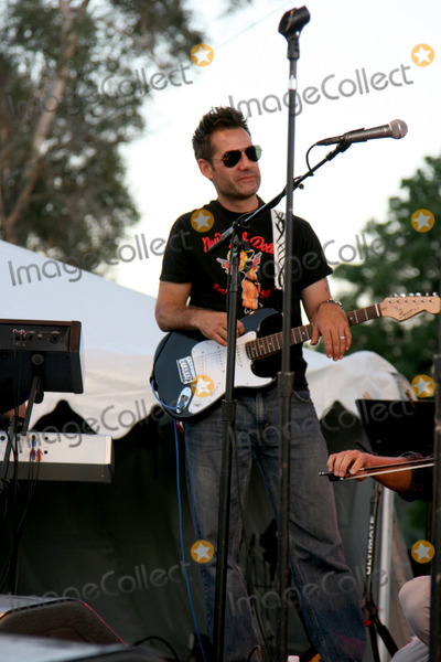 Adrian Pasdar Photo - Adrian PasdarBand From TV Netflix Live on Location ConcertAutry Museum in Griffith ParkLos Angeles CAAugust 9 2008