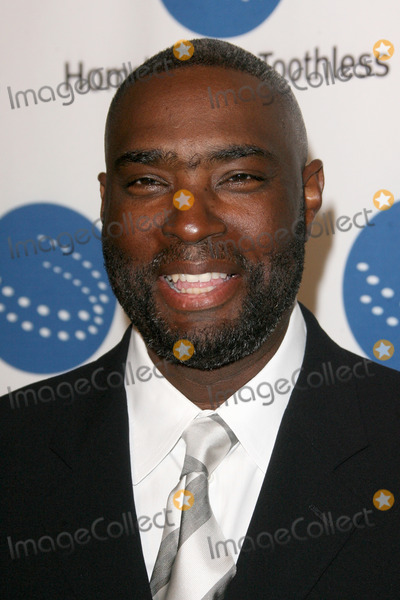 Antwone Fisher Photo - Antwone Fisher arriving at the  A Smile for Every Child Gala at the Shangri La Hotel in  Santa Monica CA on September 10 2009
