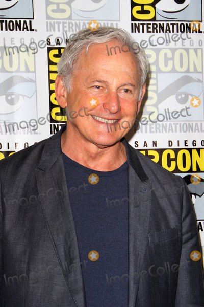Victor Garber Photo - SAN DIEGO - July 22  Victor Garber at Comic-Con Saturday 2017 at the Comic-Con International Convention on July 22 2017 in San Diego CA