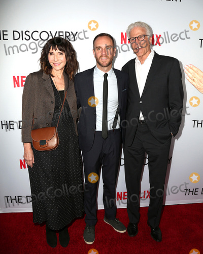 Mary Steenburgen Photo - LOS ANGELES - MAR 29  Mary Steenburgen Charlie McDowell Ted Danson at the Premiere Of Netflixs The Discovery at the Vista Theatre on March 29 2017 in Los Angeles CA