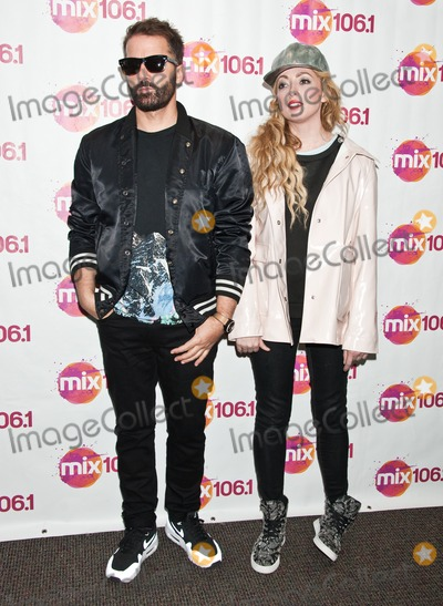The Ting Tings Photo - BALA CYNWYD PA USA - APRIL 10 (L to R) Jules De Martino and Katie White of British Indie Rock Duo The Ting Tings Pose at Mix 106s Performance Theatre on April 10 2015 in Bala Cynwyd Pennsylvania United States (Photo by Paul J FroggattFamousPix)