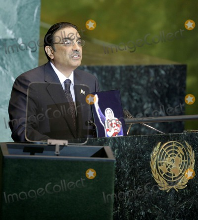 Asif Ali Photo - New York NY 9-25-2008United NationsPakistani President elect Asif Ali Zardariaddresses the 63rd UN General AssemblyDigital photo by Luiz Rampelotto-PHOTOlinknet