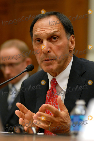 Richard S Fuld Jr Photo - Washington DC 4202010RESTRICTED NEW YORKNEW JERSEY OUTNO NEW YORK OR NEW JERSEY NEWSPAPERS WITHIN A 75 MILE RADIUS OF NYCTreasury Secretary Timothy GeithnerRichard S Fuld Jr former Chairman and Chief Executive Officer Lehman Brothers testified before the House Financial Services Committee held a hearing on public policy issues raised by the report of the Lehman bankruptcy examiner on Capitol Hill Digital photo by Elisa Miller-PHOTOlinknet