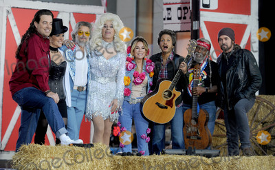 Kathy Lee Photo - Photo by Dennis Van TinestarmaxinccomSTAR MAX2017ALL RIGHTS RESERVEDTelephoneFax (212) 995-1196103117Carson Daly Megyn Kelly Matt Lauer Kathie Lee Gifford Savanna Guthrie Al Roker and Billy Ray Cyrus at Todays Halloween Extravaganza 2017 in New York City