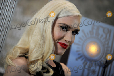 Gwen Stefani Photo - Photo by Dennis Van TinestarmaxinccomSTAR MAX2017ALL RIGHTS RESERVEDTelephoneFax (212) 995-1196112017Gwen Stefani visits The Empire State Building in New York City