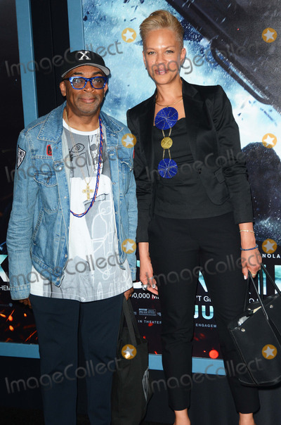 Tonya Lewis Lee Photo - Photo by Patricia SchleinstarmaxinccomSTAR MAXCopyright 2017ALL RIGHTS RESERVEDTelephoneFax (212) 995-119671817Spike Lee and wife Tonya Lewis Lee at the premiere of Dunkirk(NYC)