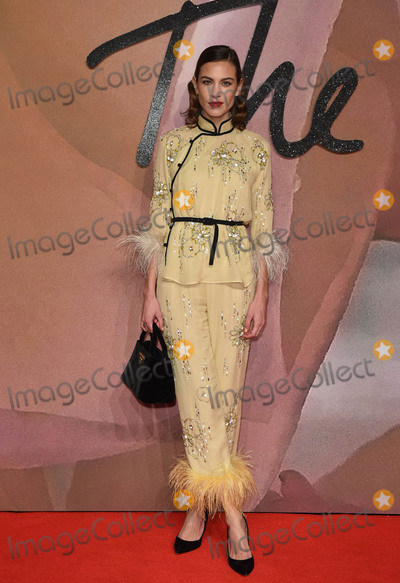 Alexa Chung Photo - Photo by KGC-03starmaxinccomSTAR MAXCopyright 2016ALL RIGHTS RESERVEDTelephoneFax (212) 995-119612516Alexa Chung at The 2016 Fashion Awards(Royal Albert Hall London England UK)