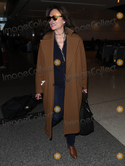 Jacqueline Bisset Photo - Photo by SMXRFstarmaxinccomSTAR MAX2020ALL RIGHTS RESERVEDTelephoneFax (212) 995-119621020Jacqueline Bisset is seen at LAX Airport in Los Angeles CA