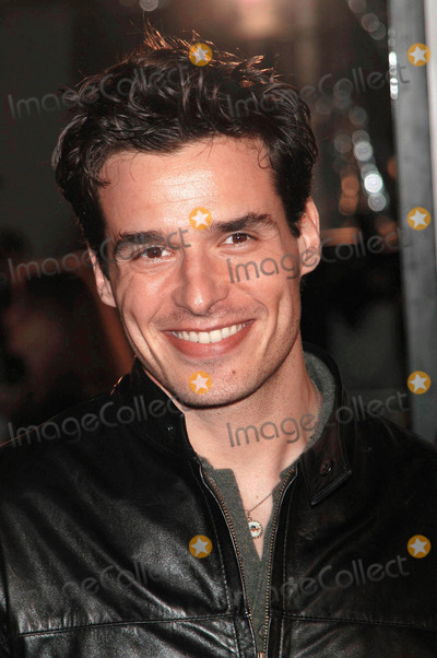 Antonio Sabato Jr Photo - Photo by  Tom LauLoud  Clear MediaSTAR MAX Inc2002 ALL RIGHTS RESERVED  TelFax (212) 995-1196121602Antonio Sabato Jr at the World premiere of Catch Me If You Can (DreamWorks)(Mann Bruin Theatre CA)