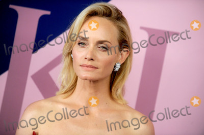 Amber Valletta Photo - Photo by Dennis Van TinestarmaxinccomSTAR MAX2017ALL RIGHTS RESERVEDTelephoneFax (212) 995-11966517Amber Valletta at The 2017 CFDA Fashion Awards in New York City