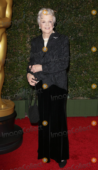 Angela Lansbury Photo - Photo by Quasarstarmaxinccom2013ALL RIGHTS RESERVEDTelephoneFax (212) 995-1196111713Angela Lansbury at The Board of Governors of The Academy of Motion Picture Arts and Sciences Governor Awards(Los Angeles CA)