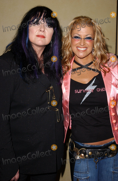 Ann Wilson Photo - Photo by Lee RothSTAR MAX Inc - copyright 200393003Anastacia and Ann Wilson at the Women Rock Songs From The Movies 2003 concert for the fight against breast cancer(Hollywood CA)