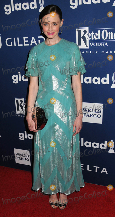 Alexis Bledel Photo - Photo by zzDemis MaryannakisstarmaxinccomSTAR MAXCopyright 2018ALL RIGHTS RESERVEDTelephoneFax (212) 995-11965518Alexis Bledel at The 29th Annual GLAAD Media Awards in New York City(NYC)