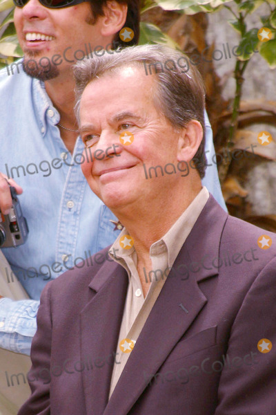 KC and the Sunshine Band Photo - Photo by Lee RothSTAR MAX Inc - copyright 20028202Dick Clark at a Hollywood Walk of Fame Ceremony honoring KC and the Sunshine Band(CA)