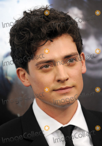 Aneurin Barnard Photo - Photo by Dennis Van TinestarmaxinccomSTAR MAXCopyright 2017ALL RIGHTS RESERVEDTelephoneFax (212) 995-119671817Aneurin Barnard at the premiere of Dunkirk(NYC)