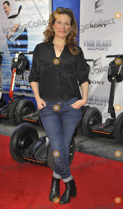 Ana Gasteyer Photo - Photo by Patricia SchleinstarmaxinccomSTAR MAX2015ALL RIGHTS RESERVEDTelephoneFax (212) 995-119641115Ana Gasteyer at the premiere of Paul Blart Mall Cop 2(NYC)