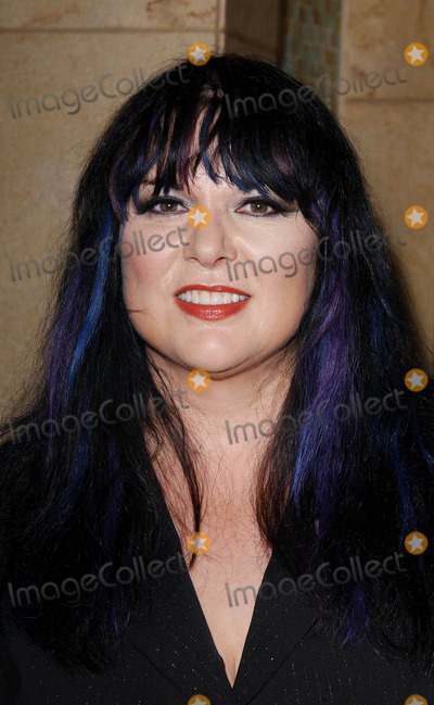 Ann Wilson Photo - Photo by Lee RothSTAR MAX Inc - copyright 200393003Ann Wilson at the Women Rock Songs From The Movies 2003 concert for the fight against breast cancer(Hollywood CA)