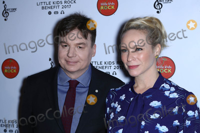 Kid Rock Photo - Photo by John NacionstarmaxinccomSTAR MAX2017ALL RIGHTS RESERVEDTelephoneFax (212) 995-1196101817Mike Myers and Kelly Tisdale at The Little Kids Rock Benefit in New York City