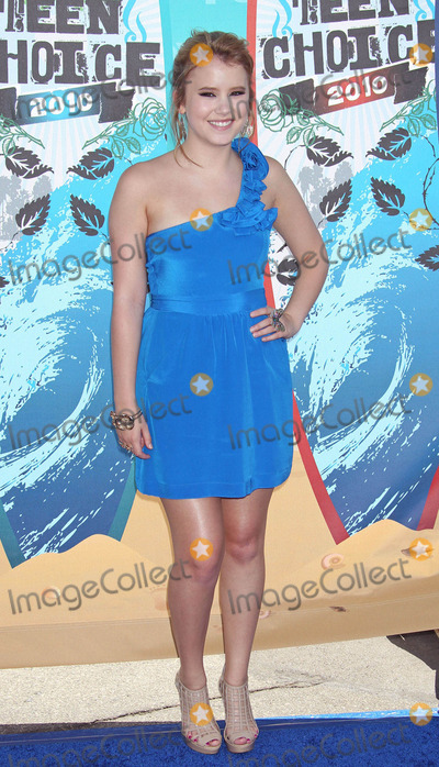 Taylor Spreitler Photo - Photo by REWestcomstarmaxinccom20108810Taylor Spreitler at the Teen Choice Awards(Universal City CA)