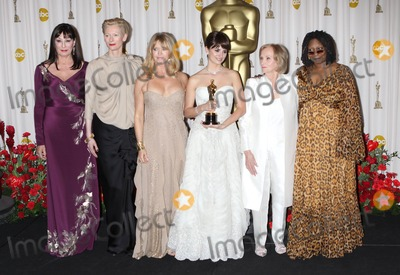 Angelica Huston Photo - Photo by NPXstarmaxinccom200922209Penelope Cruz with Angelica Huston Tilda Swinton Goldie Hawn Olympia Dukakis and Whoopi Goldberg at the 81st Academy Awards (Oscars)(Hollywood CA)Not for syndication in France