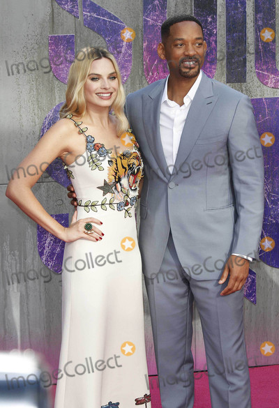 Margot Robbie Photo - Photo by KGC-254starmaxinccomSTAR MAX2016ALL RIGHTS RESERVEDTelephoneFax (212) 995-11968316Margot Robbie and Will Smith at the premiere of Suicide Squad(London England)