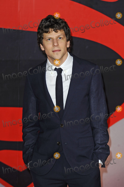 Jesse Eisenberg Photo - Photo by KGC-138starmaxinccomSTAR MAXCopyright 2016ALL RIGHTS RESERVEDTelephoneFax (212) 995-119632216Jesse Eisenberg at the premiere of Batman v Superman Dawn of Justice(London England UK)