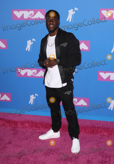 Kevin Hart Photo - Photo by ZZRothschild MediastarmaxinccomSTAR MAXCopyright 2018ALL RIGHTS RESERVEDTelephoneFax (212) 995-119682018Kevin Hart at the 2018 MTV Video Music Awards held at Radio City Music Hall in New York City(NYC)
