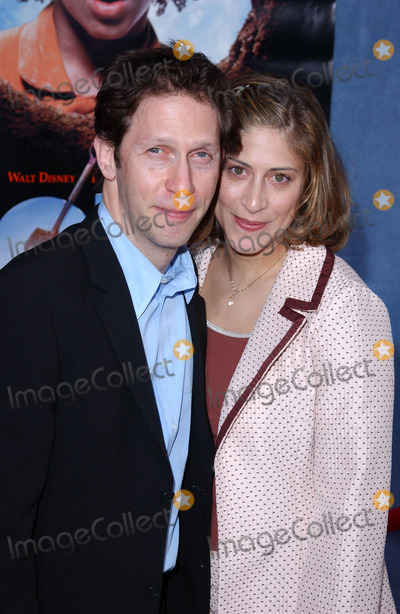 Lisa Benevides Photo - Photo by Lee RothSTAR MAX Inc - copyright 200341103Tim Blake Nelson and wife Lisa Benevides at the premiere of Holes(Hollywood CA)