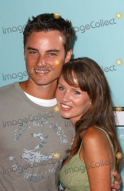 Harmoni Everett Photo - Photo by Lee Rothstarmaxinccom200471904Kerr Smith and wife Harmony Everett Smith at the world premiere of Catwoman(Hollywood CA)