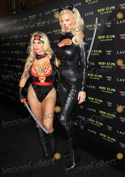Victoria Silvstedt Photo - Photo by Juan Dela CruzstarmaxinccomSTAR MAX2018ALL RIGHTS RESERVEDTelephoneFax (212) 995-1196103118Coco and Victoria Silvstedt at Heidi Klums 19th Annual Halloween Party in New York City