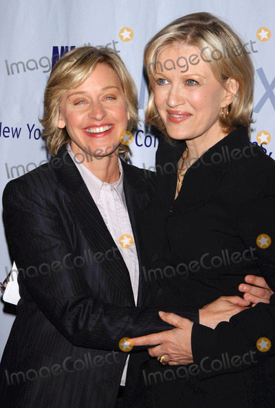 The Matrix Photo - Photo by Walter Weissmanstarmaxinccom20064306Diane Sawyer and Ellen Degeneres at the 2006 Matrix Awards(NYC)