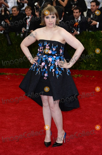 Lena Dunham Photo - Photo by DPAADstarmaxinccomSTAR MAX2014ALL RIGHTS RESERVEDTelephoneFax (212) 995-11965514Lena Dunham at The Costume Institute Benefit Gala(Metropolitan Museum of Art NYC)