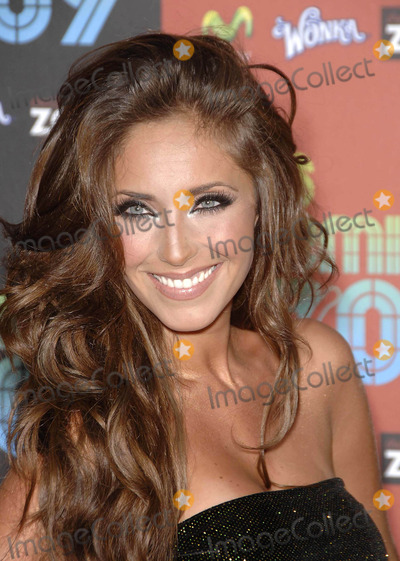 Anahi Photo - Photo by Michael Germanastarmaxinccom2009101509Anahi at the Los Premios MTV Latin America Awards(Los Angeles CA)